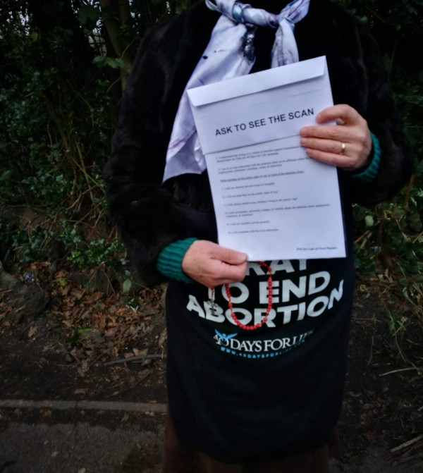Anti-abortion campaigner advising clinic users to 'ask to see the scan'