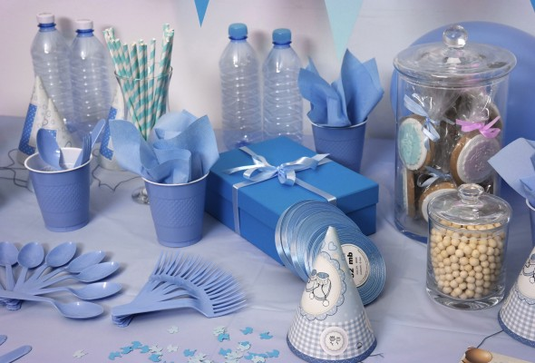 Plastic, bottles, party, gifts.