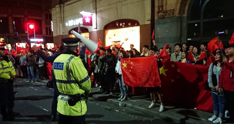 Chinese Students clash with Hong Kong Protesters