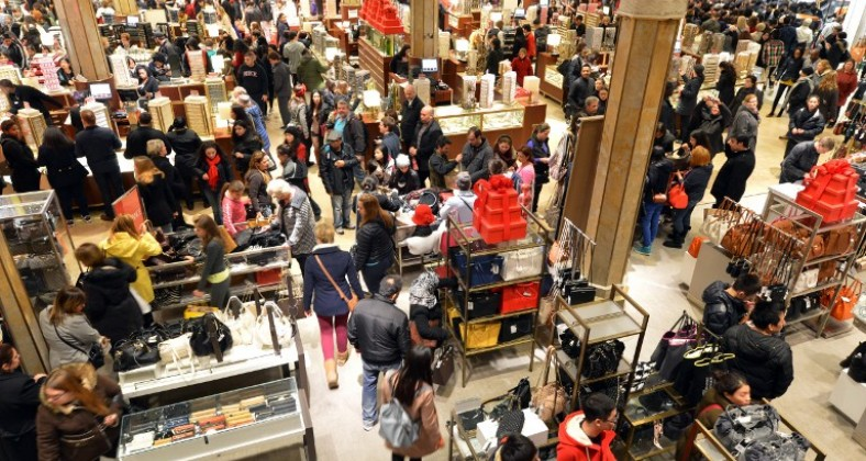 retail workers swamped with worK