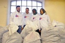 Liberal Democrats helping the 'Wrap Up Manchester' charity